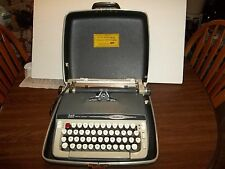 AMAZING VINTAGE 1964 SMITH CORONA GALAXIE II MANUAL TYPEWRITER IN CASE WORKING