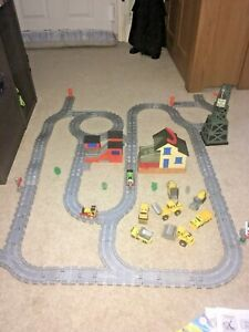 Thomas & Friends Take Along Thomas The Tank Engine Play Set Trains & Track