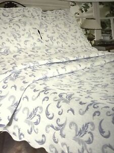 Made In Portugal Colony Home Cotton Blend White & Blue Twin Matelasse Coverlet
