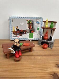 SCHLEICH 40601 Gargamel's Laboratory Smurf Boxed