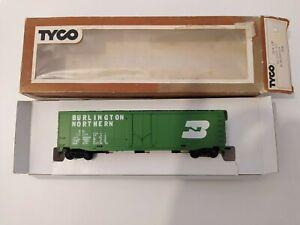 Vintage Tyco HO Scale 50 Foot Burlington Northern 100024 Box Car