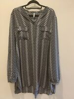 MAYA black and white button up top, size 18. Womens button up top, Plus size