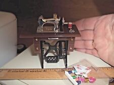 MINI SILVER SEWING MACHINE - WITH ACCESSORIES-  DOLL HOUSE MINIATURE