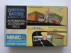 BOXED MINIC MOTOR RACING AUTOMATED ACCESSORY PK CUSTOMS BARRIER & FRONTIER POST