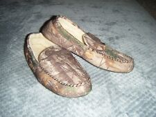 mens camo camouflage Moccasin slippers size large L  9.5 - 9.10 indoor / outdoor