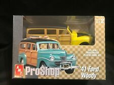 AMT PRO SHOP - 1941 FORD WOODY - 1/25 PREPAINTED PLASTIC MODEL KIT - BRAND NEW -