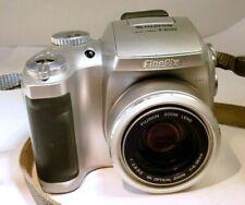 Fujifilm Finepix SÉRIE S S3000 3MP Appareil Photo Numérique - 6X Zoom Lens