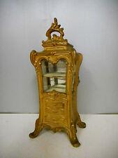 COFFRET.Boite a bijoux,armoire en métal doré de style Louis XV.