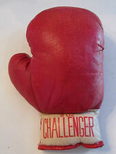 1 RED CHALLENGER 8 OZ BOXING GLOVE - EXCELLENT -