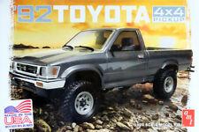 1992 Toyota 4x4 Pickup Off-Road 1:20 AMT Model Kit Bausatz AMT1082