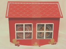 The Body Shop Joyful Gingerbread House Bath & Body Gift Set