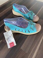 BNWT size 7 Gorgeous Cotton Trader Brand Summer Sandals
