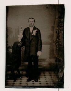 Vintage Ferrotype Young Man Tout Habillé Up Mariage Ou Confirmation