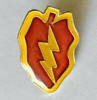 Red Hot Chilli Lightning Bolt Pin Badge Rare Vintage Novelty (E11)
