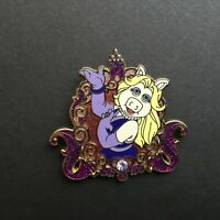 DLR Disney Girls Reveal / Conceal Mystery Collection Miss Piggy Disney Pin 81324