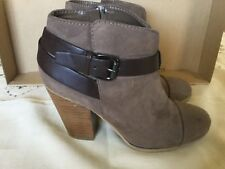 Carlos By Carlos Santana Women Belted Booties SZ 8 Chateau Grey Very Good Cond.