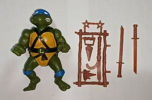Vintage TMNT Teenage Mutant Ninja Turtles 1988 Leonardo with Accessories