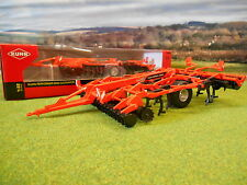 BRITAINS Kuhn Performer 5000 cultivateur 1/32 43108A1 * Boxed & New *