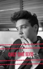 """ELVIS PRESLEY on """"Hollywood"""" Bound Train April 1960 8x10 Photo INTERVIEW 007"""