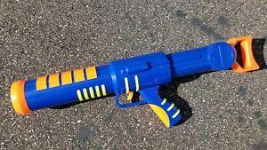 SuperMAXX Buzzer Air Bazooka Just Toys Airzone AirBazooka 1998 1997 ULTRA RARE
