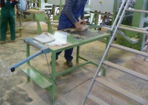 Verpackungstisch für Holzbriketts mit Lade, Brikettpresse, Brikettierpresse