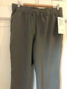 lululemon Culottes In Size 8 In Soft Green