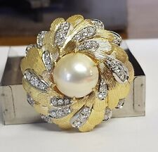 18ct Yellow and White Gold Mabe Pearl And Diamond Brooch