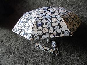 Chanel Regenschirm aus Karl Lagerfeld Cat Edition schwarz-rose selten neu in OVP