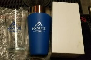 (1) New- Pinnacle Vodka Shaker with Glass Box Set, Awesome item, Bartender