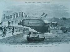 Gravure 1868 - Brest mise à l'eau du bélier garde côte cuirassé Le Cerbère