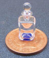 Escala 1:12 decantador de cristal cuadrado SM con una base Azul Accesorio Casa De Muñecas GD2