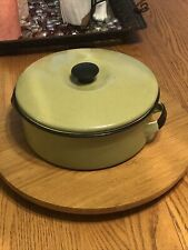 New listing Vintage Avocado Green 2 Qt Pan It's Lid . Just The Pop Of Color You Need !