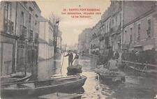 CPA 44 NANTES PONT ROUSSEAU LES INONDATIONS DECEMBRE 1910 LA RUE NATIONALE