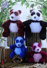 Knitting Pattern 2 Taglie Panda giocattolo FILO Lamé Knitting Pattern King Cole 9059