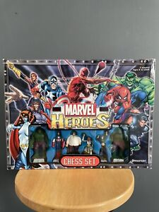 Pressman Marvel Heroes Chess Set - Complete 2003 (In Box)