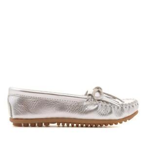 Minnetonka Kilty Metallic Leather Moccasin 620871-J