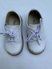 Designers Touch Boys white shoes size 7 low top leather