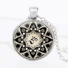 Signo de Buda Om Collar Colgante Mandala Meditación Budista De Vidrio De Cadena De Plata