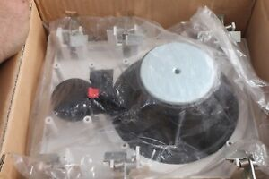lot of 3 wall speakers SP704M SP-KW704A