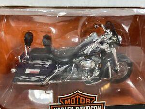 Maisto Harley Davidson Series 13 2002 FLHRSEI CVO Custom 1:18 New In Box