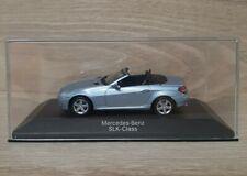 Mercedes-Benz SLK R172 Cabrio Schwarz Matt Ab 2011 1//24 Maisto Modell Auto mit o