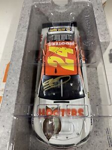 AUTOGRAPHED CHASE ELLIOTT #24 HMS 2017 HOOTERS 1/24 SCALE Chevy ACTION NASCAR