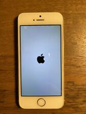 Apple iPhone 5s with 3 Mophies - 32GB - Silver (Verizon) A1533 (CDMA   GSM)