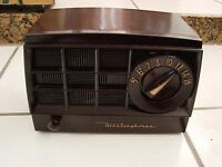westinghouse H-365T5 Art Deco Tube Radio Brown Bakelite Loud Humming Fr Repair