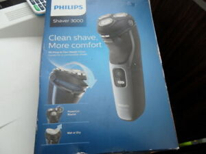 Philips S3133/51 Series 3000 Wet and Dry Rotarty System Electric Shaver
