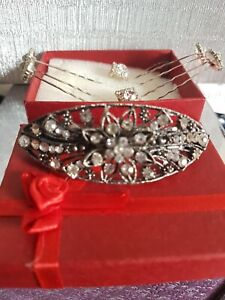 Ladies Retro Hair Accessories And Earrings & vitorian clasp