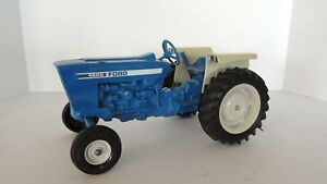 Ertl: Ford 4600 Tractor 1:16, 3 Point hitch, rubber tires, almost perfect