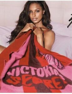 $68 Victoria Secret Pink Soft Throw Blanket Lips 50 x 60 Limited Edition NWT