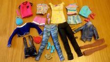 * BAMBOLE BARBIE Fascio Di Vestiti Pantaloni, Top, Pantaloncini, scarpe e accessori *