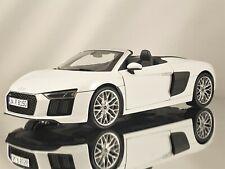 iScale Audi R8 Spyder V10 Suzuka Grey Diecast Model Car 1:18
